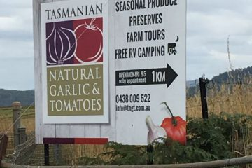Tasmanian-Natural-Garlic-Tomatoes-Sign